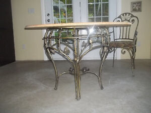 Hauser Table and 4 Chairs