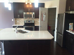 AVAILABLE IMMEDIATELY : 2 rooms for rent in nice Duplex in SW