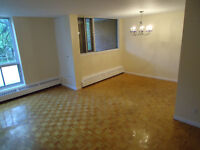 Large 4.5 Renovated $950 Cavendish Mall Area