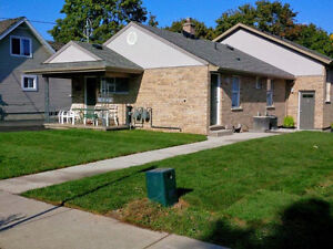 ***$555 - ***5TH HOUSE FROM UNIVERSITY - NICEST HOUSE!!!