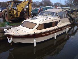 Shetland 4+2 lovely river boat, ready to go.