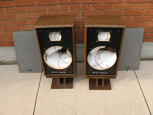 VINTAGE ADVENT 4002 SPEAKER CABINETS Kitchener / Waterloo Kitchener Area image 4