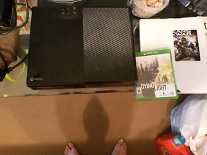 XBOX 1 with games and controller