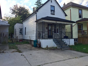 Nice 4 Bedrooms just few block from U of Windsor - Now $900 +++