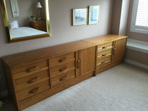 Bedroom set in light oak