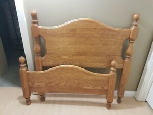 Twin (single) bed with oak headboard