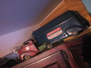 Antique Wyandotte toy truck