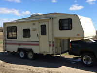 21 ft. Terry Resort 5th Wheel - Clean