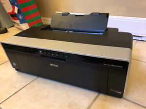 Epson R2000 professional photo printer with spare ink