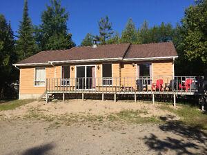 2 blocks to Sauble Beach Cottage rental
