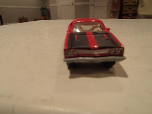 Loose Red 1969 '69 PLYMOUTH ROAD RUNNER by JOHNNY LIGHTNING 1/ Sarnia Sarnia Area image 5
