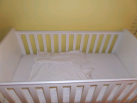 White cot bed / toddler bed.