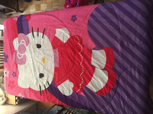 Couverture Hello Kitty lit double