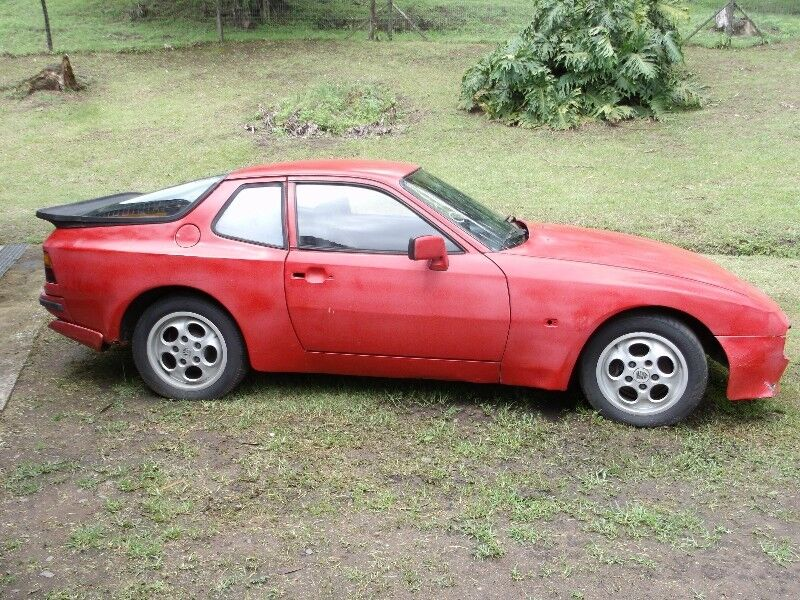Porsche 944 1983 LHD coupe stripping for parts