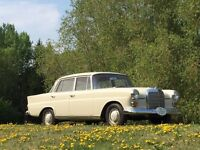 Lovely 1966 Mercedes 230, classy car! Fintail!