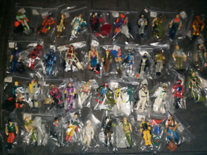 Vintage gi Joe figures.