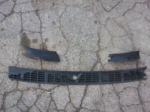 OEM Chevy S10 Blazer GMC Jimmy Sonoma Wiper Cowl Screen Trim