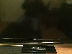 Sony Bravia 52 inch flat tv with remote - Fix or for parts