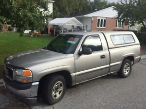 2000 GMC Sierra 1500. Needs some work