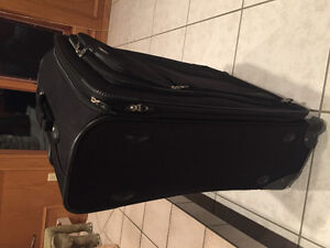 """LARGE American Tourister Suitcase for sale (20""""x10""""x30"""") Strathcona County Edmonton Area image 3"""