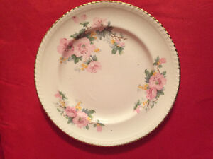 LF: Specific Dinnerware Items for a Wedding