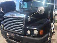 Freightliner century 2007 & columbia 2005 low mileage truck )