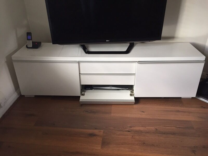 ikea besta burs tv cabinet stand bench high gloss white in hertford hertfordshire gumtree. Black Bedroom Furniture Sets. Home Design Ideas