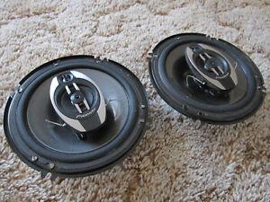 Pioneer TS-A1673R 6.5-Inch 220-Watt 3-Way Speakers