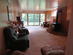 Bungalow, All Brick, 3400 sf. of Finished Living Area, 5.4 Acres Kingston Kingston Area image 2
