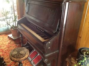Antique pump organ St. John's Newfoundland image 2