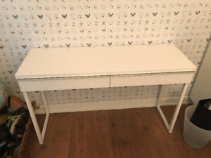 Barely used desk for sale (IKEA BESTÅ BURS)