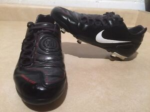 Youth Nike Total 90 Outdoor Soccer Cleats Size 4.5 Y London Ontario image 1