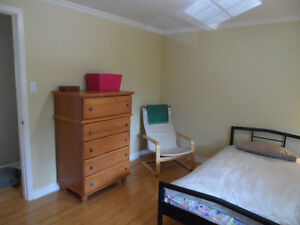 HOME STAY London Ontario image 2