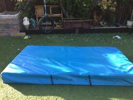 Extra large used school crash mat (bargain)