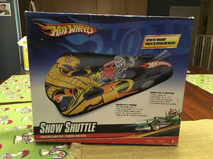 Brand New Hot Wheels Blow Up Shuttle - Great Pool Toy!   Packag