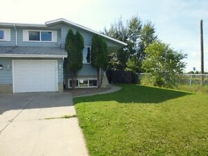 Clareview Duplex ( Close To Schools And All Amenities )