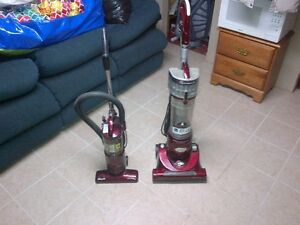 VACUUM CLEANER - INFINITY- BAGLESS - POWERFUL- PET PRO