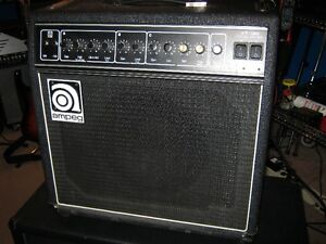 Combo Ampeg VT120 Triax Series 120watts a lampes & rare