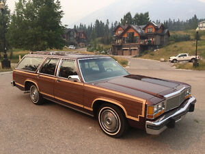1980 Ford Woody Wagon Country Squire LTD / very clean