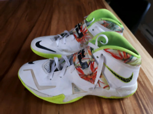Nike Basketball Zoom Soldier VII