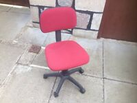 Computer / office swivel chair.