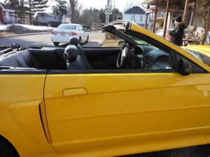 2004 Ford Mustang cuir Cabriolet