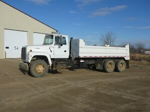 UNRESERVED PUBLIC AUCTION - HEAVY TRUCKS - FROBISHER, SK Regina Regina Area image 7
