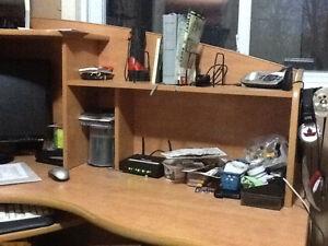 Sturdy corner desk from Staples Kingston Kingston Area image 4
