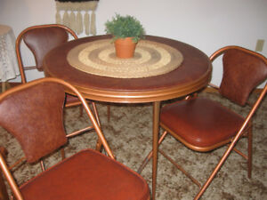 Round Table & 3 Chairs