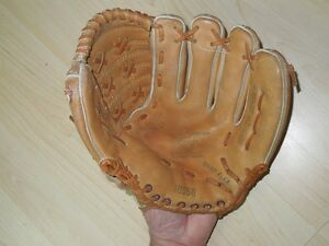Baseball Glove - Ted Williams