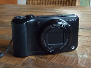 Sony DSC-H90 16.1MP Digital Camera with HD Movie + Panoramic Mod Cornwall Ontario image 4