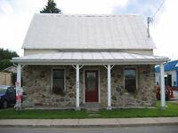 Maison ancestrale dans un lieu paisible ( J0P 1G0 )