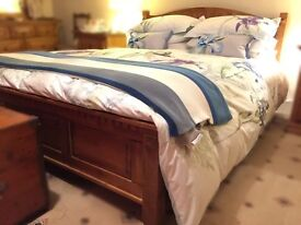 Superb oak King-Size double bed