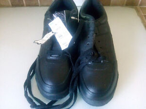 black steel toed shoes